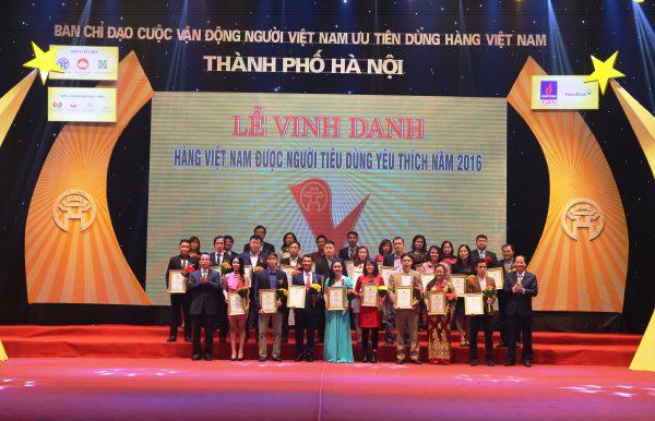 """Halico đón danh hiệu """"Top 30 hàng Việt Nam được người tiêu dùng yêu thích năm 2016"""""""